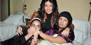 """أزمة صحية حرجة تدخل """"فيفي عبده المستشفى """" - فلاش زومين"""