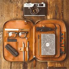 leather accessories made in the usa s include leather ipad folio tech dopp kit leather organizer iphone cord taco cordito and mod made in la