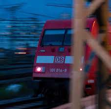 Hier können sie ihre bahn tickets online suchen und buchen, reiseauskunft und aktuelle zugverbindungen finden. Db Streik Der Gdl Hat Begonnen Deutsche Bahn Sieht Stabilen Ersatzfahrplan Welt