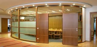 ... used in office fit outs is called an 'accordion' partition. These  screens have the same appearance and functionality to floor-to-ceiling  partitions, ...