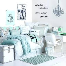 bedroom excellent cute wall designs for a teenage girls room with bed and pillows decorating ideas