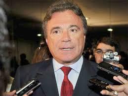 Resultado de imagem para fotos do senador Alvaro Dias
