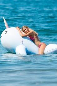 pool party: лучшие изображения (9) | Лето, Игрушки для бассейна ...