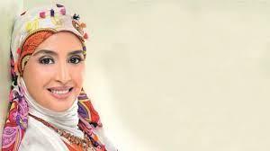 زهرة الخليج - حنان ترك في عيد ميلادها الـ46.. تزوجت 5 مرات وأبدت ندمها على  قبلة سينمائية!