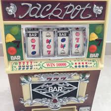 Fed X Gaming Vending Machine Simple 48 Lighted Slot Machine Design Wooden AMFM Radio Cassette Spirit