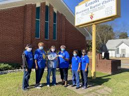 Lonoke Missionary Baptist Church Presents Donation to Hope in Action 1 & 2  – SWARK Today