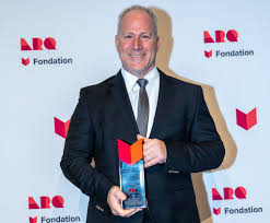 Louis McNeil lauréat du prix Chapeau restaurateurs   Le Mag   Le ...