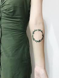 венок оливки Olive Girls Tattoo By At Ravlik Tattooing Tattoo