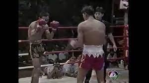 Muay Thai Knock - สมรักษ์ คำสิงห์ vs สุวิทย์เล็ก - YouTube