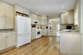 Kitchen Cabinets With White Appliances   White Appliance Kitchen Ideas