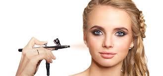 differences between airbrush and regular makeup