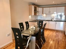 Apartment The Heights River And City View Glasgow UK Bookingcom - Dining room furniture glasgow