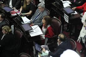 Resultado de imagen para agresiones por defender el aborto argentina