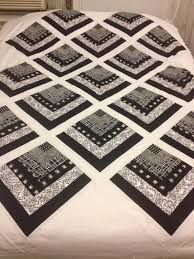 The Beyondness of Things: Black & White Quarter Log Cabin Quilt & Just a work in progress quilt, black & white quarter log cabin style. Adamdwight.com