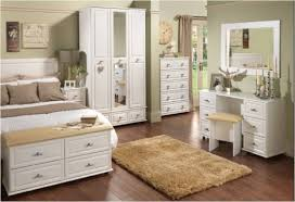 Small Picture Bed and wardrobe designs