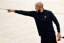 Deandre Ayton in Suns' Game ...