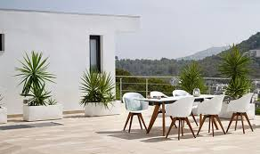 New stylish outdoor furniture from BoConcept