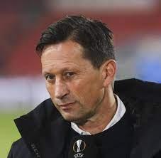 Trainer Roger Schmidt: «Im Moment gar nicht auf dem Markt» - WELT