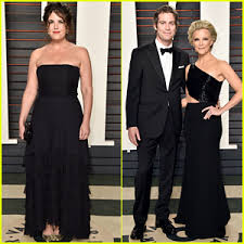 monica lewinsky breaks virtual year silence on bill clinton  megyn kelly monica lewinsky match in black at vanity fair oscar party