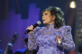 Bob Kingsley Country Top 40 Chart Loretta Lynn Receives Highest Chart Debut With Full Circle