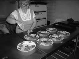 Отчет по практике Организация обслуживания в кафе Огонек  Производственные помещения Кафе Огонек имеет следующие цеховые разделения овощной мясорыбный цеха