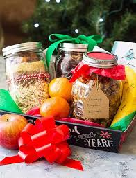 Our coffeeholic spa gift basket is filled with everything coffee! Diy Christmas Gift Baskets Countryside Cravings