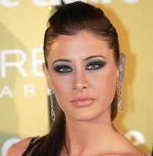 En Menorca, y con motivo de la 61 edición de la feria Eurobijoux, es donde la que fuera Miss España, Elizabeth Reyes, ha vuelto a contestar a la preguntas ... - elizabeth-reyes-16.4.1662971256--252x258
