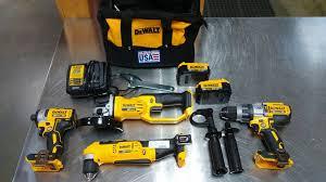 dewalt 20v max xr drill. dewalt 20v max xr brushless 4pc cordless combo tool set max xr drill v
