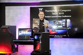 <b>Thermaltake Level 20 RGB</b> BattleStation Gaming Desk ...