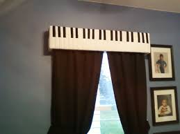 Music Decorations For Bedroom 17 Best Ideas About Music Decor On Pinterest Guitar Shelf