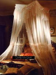 Eye For Design: Decorating Your Bed With Gauze Canopies ...