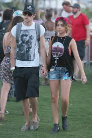 Sarah Hyland Boyfriend Inseperable At Coachella OCEANUP TEEN.