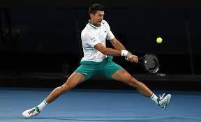Vor dem Final des Australian Open – Novak Djokovic heizt das Duell der  Generationen an |