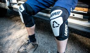 Dainese Trail Skins Knee Guard Size Chart Leatt 3df 6 0 Knee Guards Review