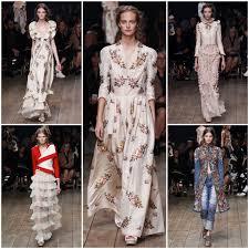ТОП английских брендов обзор модных тенденций Журнал  Самая первая коллекция молодого дизайнера была его дипломная работа которая была подмечена известным редактором Изабеллой Блоу и представлена всему миру