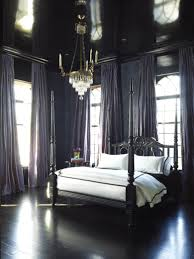 Cluedo: ~ The Black Bedroom (Royal Bed, from Katie by Design).