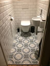 toilet dating metro