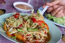 eating thai food guide to thai cuisine interview mark weins a photo of som tam thai thai cuisine