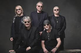 <b>Deep Purple</b> Shares Accidentally Pandemic-Appropriate Song 'Man ...