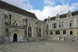 the great hall exterior winchester s en wikipedia org wiki winchester c the winchester round table