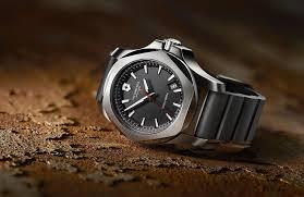 Анонсированы смарт-<b>часы Swiss Army</b> I.N.O.X. от <b>Victorinox</b> и Acer