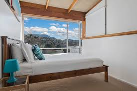 3 Bedroom Apartment Hobart   Holiday Rentals | Long Beach House | Queen Bed