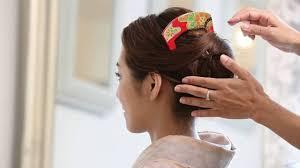 着物 髪型 自分で 仕上げ くし形のかんざしを挿して 着物ひととき Youtube