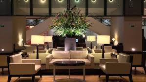 decor design hilton: hotel lobby decor at the hilton mexico city reforma