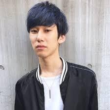 ブルーカラーのマッシュヘア メンズヘアスタイル髪型 Hair Me Up