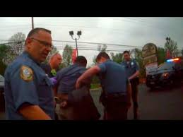Who To Youtube Give With - Man Id Cops Fight Refused