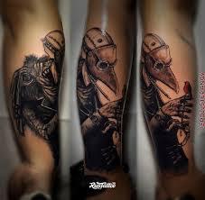 фото татуировки чумной доктор в стиле портреты реализм татуировки