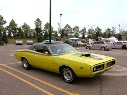 Algunos muscle cars | Dodge charger super bee, 1971 dodge charger ...
