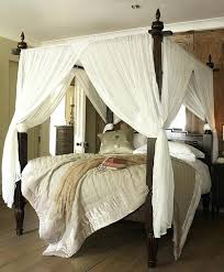 Wood Canopy Frame Bed Ideas Which Set The Interior Of Bedroom Dark ...