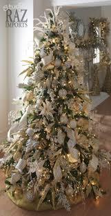 Christmas Tree decorated in all white!!! Bebe'!!! The dried